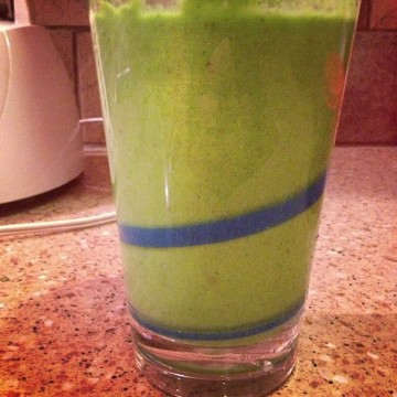 green smoothie health food drink healthy veggies vegetables veggie fruit mango apple banana