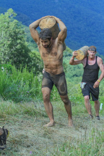 log carry spartan race virginia wintergreen mountain barefoot